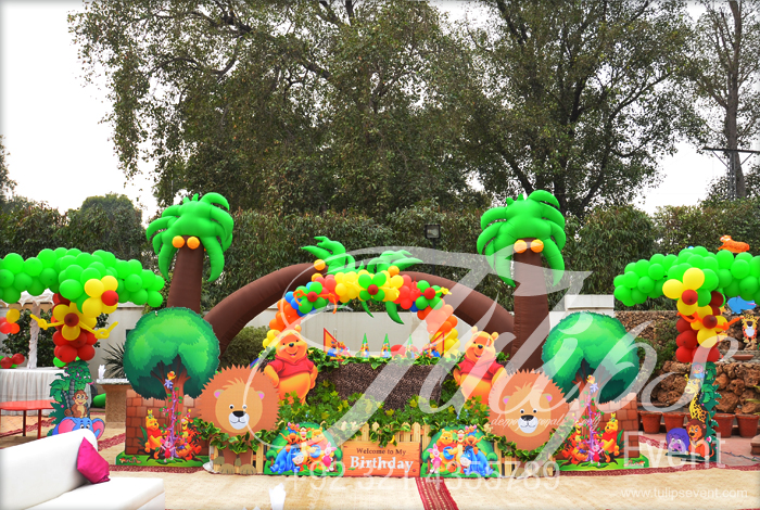 Tulipsevent best jungle safari zoo themed birthday party for Amusement park decoration ideas